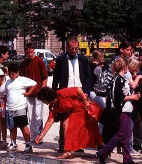 """Jochen Gerz: """"Les Mots de Paris"""", 2000"""